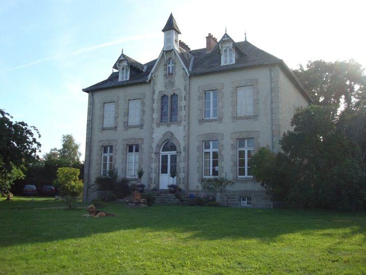 Villa Vallière Chambres & Table d'Hôtes in Vallière, La Creuse (Limousin)