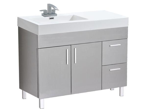 Offrez à votre salle de bain une métamorphose saisissante en faisant votre sélection parmi notre collection de meubles-lavabos haut-de-gamme. Ce modèle (A.R) à assemblage requis au fini gris mat deviendra la pièce clé de votre salle de bain. Faites votre choix parmi notre vaste sélection pour un ensemble complet. Cet…