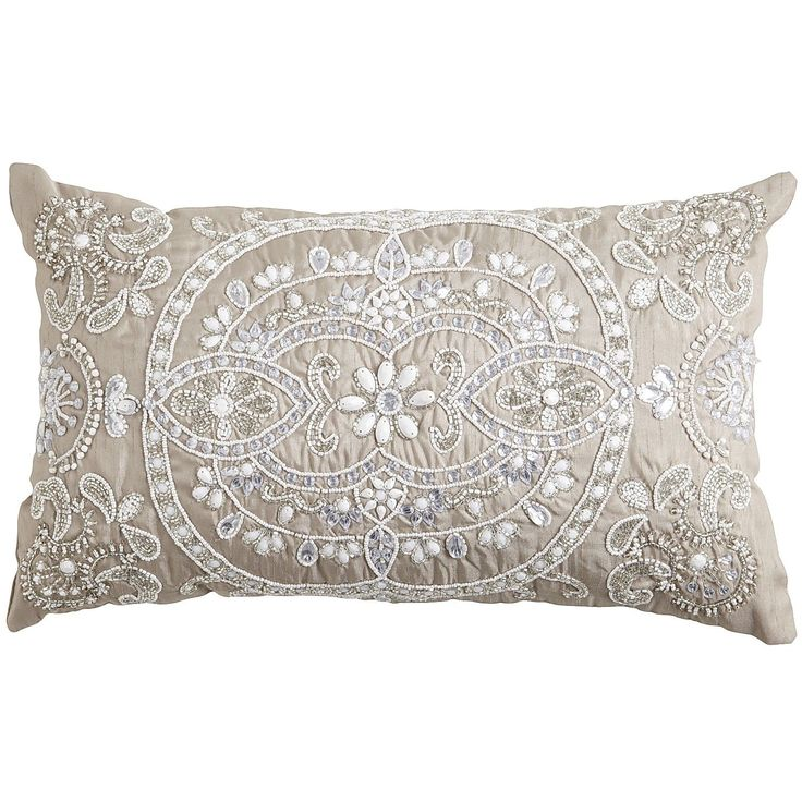 Beaded Medallion Lumbar Pillow | DIY Pillows | Pinterest