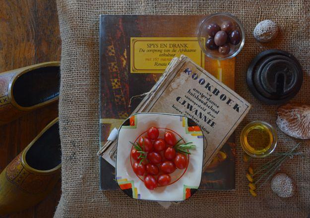 Wat is nou meer trots Suid-Afrikaans as ouma se kookboeke?