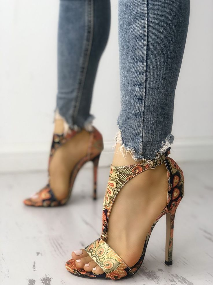 cbe93b05e9ed Peacock Feather Print T-Strap Thin Heeled Sandals