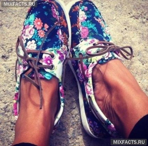 женская обувь с цветочным принтом