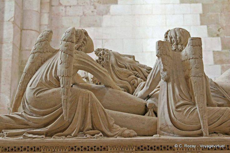 Pedro's Tomb Alcobaça - Portugal