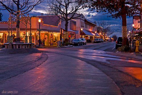 Looking West down Main Street in Edmonds, Washington ...