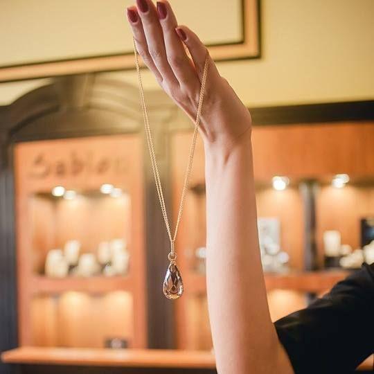 Sunt bijuterii create cu pasiune şi dăruire, de către cei mai talentaţi bijutieri români.