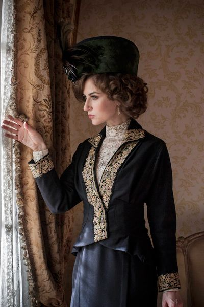 Lady Mae Loxley - Katherine Kelly in Mr Selfridge Season 2, set in 1914.