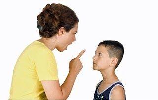 Kita sebagai ibu bapa harus peka dengan perkembangan anak-anak. Contohnya kanak-kanak autisme di mana mereka perlu diberi peluang kerana masih ada harapan untuk mereka. Anda haruslah bijak menanganinya dengan:  Jangan meninggikan suara pada anak Jika anda berhadapan dengan keadaan yang mencemaskan jangan sesekali meninggikan suara anda pada anak anda kerana ia akan menjadikannya lebih cemas. Anda harus tahu bagaimana cara untuk mengawal suara anda ketika berhadapan dengan situasi sedemikian…