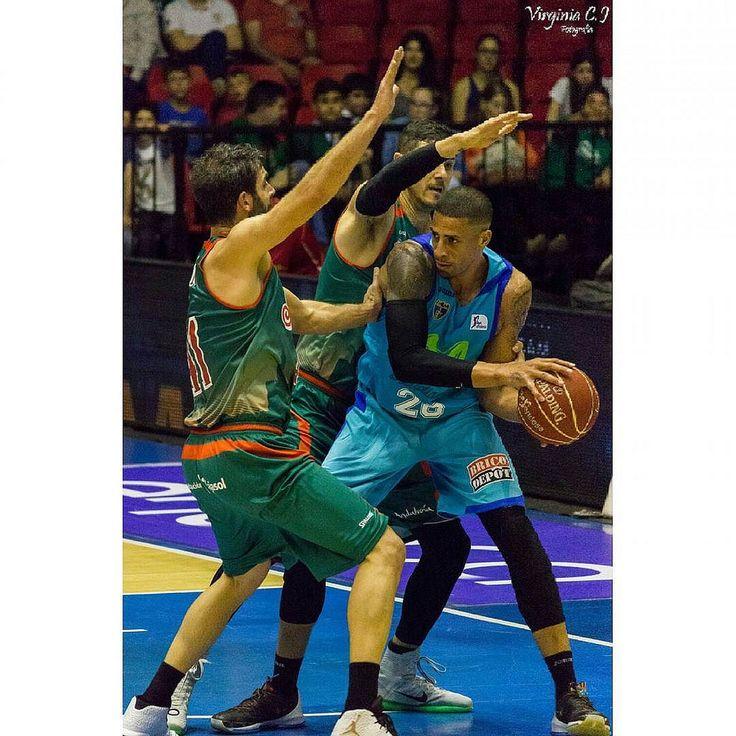 Ayer realice unas cuantas de fotos del partido entre el @cdbsevilla y Estudiantes podéis verlo en mi pagina de #Flickr espero que os guste #canon600d #sport #baloncesto #sevilla #basket #photografy