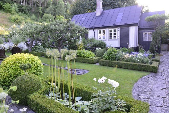 Swedish garden. Claus Dalby, photographer. / repinned on toby designs