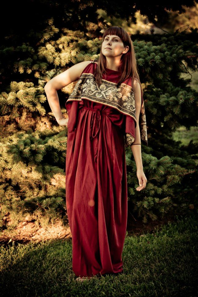Simple use of trim | Sca/Dag-Roman | Roman clothes, Roman ...
