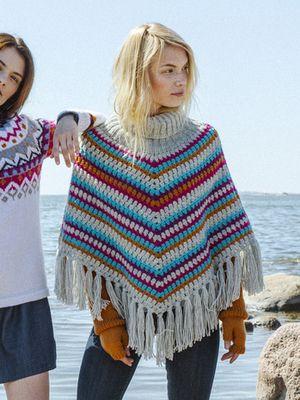 Virkattu poncho Novita 7 Veljestä | Novita knits