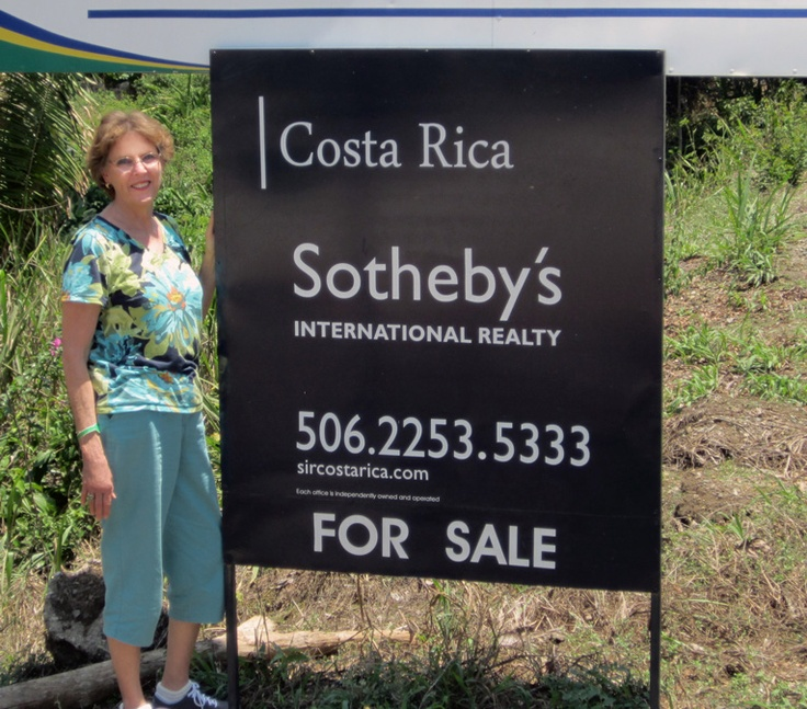 Cynthia Murray happened upon a familiar sign while vacationing in lovely Costa Rica.  #costaricavacation #costarica #sir #ksir