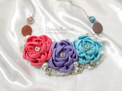 Romantic Glamour handmade necklace for hijab, please visit www.delhusnashop.com for adorable collection :)  IDR 250.000  #craft #necklace #handmadenecklace #kalung hijab #jualkalung #kalungkain #kalunghandmade #kalungunik #hijabnecklace #hijabaccessories #handmadeaccessories #diy #handmade #accessories