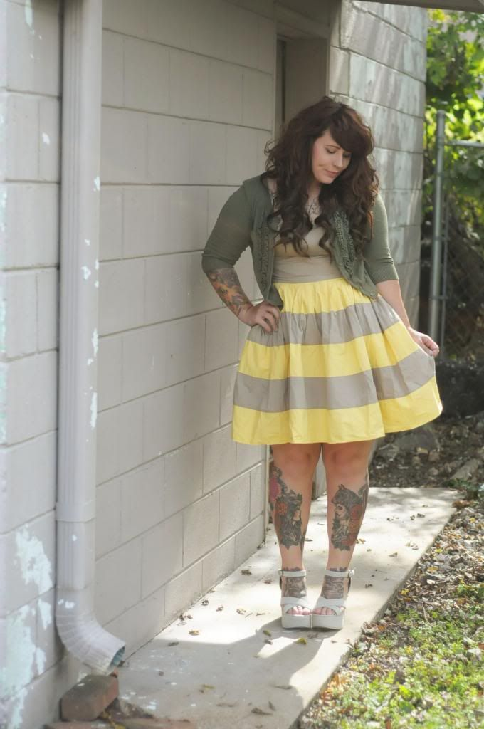 I love causal dresses! Yay stripes!