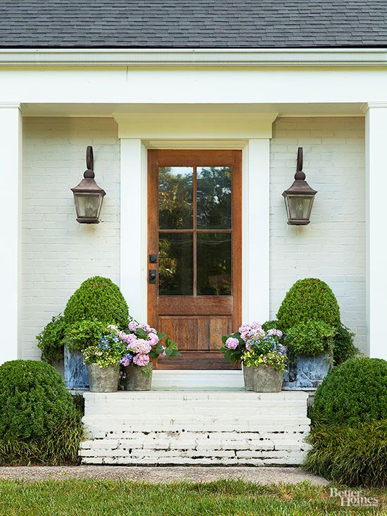 Keep your entryway timeless by using symmetry.