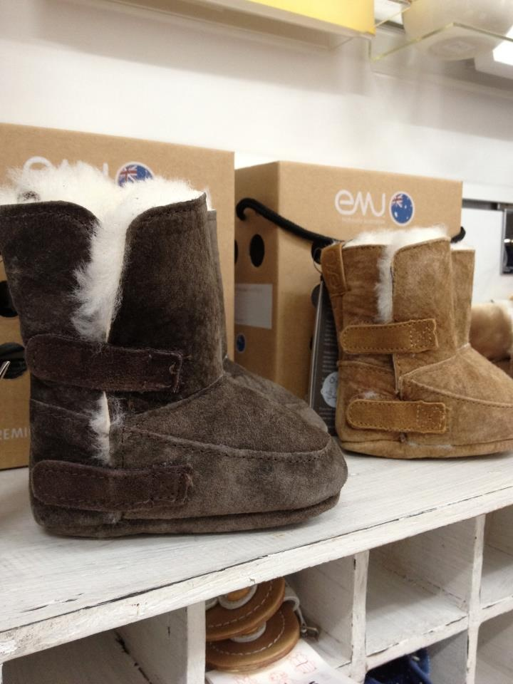 Very excited about our new EMU Sheepskin long boots. We have 2 colors and they come in sizes 0-6m, 6-12months and 12-18months. Great for all the babes in carriers- keep those feet and legs cosy warm. $49.95.