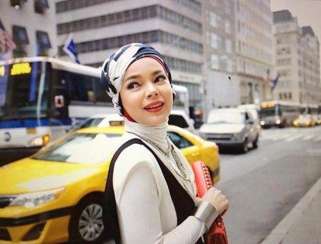 """10 Hari Terakhir Ramadan, Ini yang Akan Dilakukan Dewi Sandra https://malangtoday.net/wp-content/uploads/2017/06/dewi-sandra.jpg MALANGTODAY.NET – Mendekati akhir bulan Ramadan, penyanyi sekaligus aktris Dewi Sandra memilih untuk fokus beribadah selama sepuluh hari terakhir Ramadan ini. """"Sekarang hari terakhir berkegiatan. Aku mau fokus di rumah aja,"""" kata Dewi, Rabu (14/6). Ia mengatakan ingin ingin... https://malangtoday.net/inspirasi/hiburan/10-hari-terakhir-"""