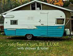Vintage Camper Shasta 1900 DE LUXE Travel Trailer