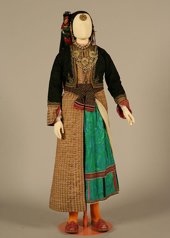 Women's costume of Elymbos, Karpathos, Dodecanese Early 20th century ©Peloponnesian Folklore Foundation, Nafplion, Greece