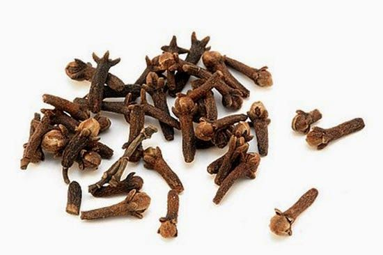 CLOVES Cloves and similar spices contain antioxidants which prevent inflammation caused by diabetes. Including some Indian spices in your food can really help.