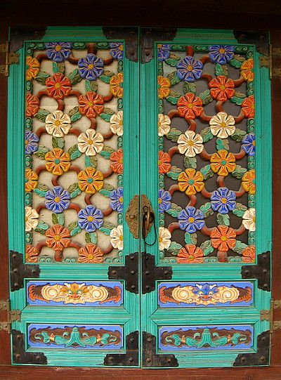Temple doors. Korea, 2007