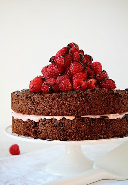 """Don't sacrifice taste for fewer calories! Here's a """"skinny"""" cake recipe that tastes just like a """"fat"""" cake: Skinny Chocolate Raspberry Cake w/ coconut oil  & cocoa powder."""