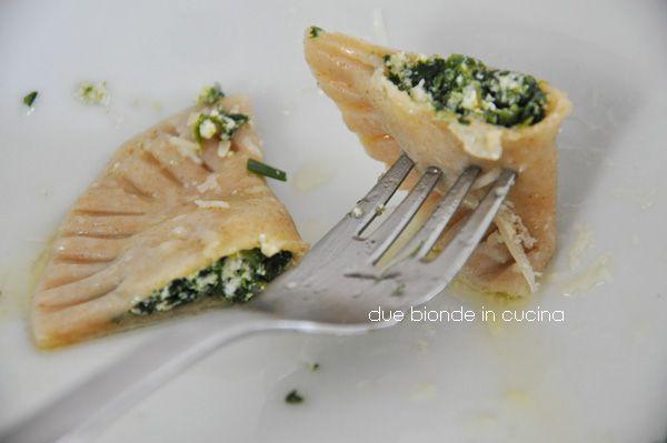 "Due+bionde+in+cucina:+""Schlutzkrapfen""+mezzelune+tirolesi+con+ricotta+e+..."