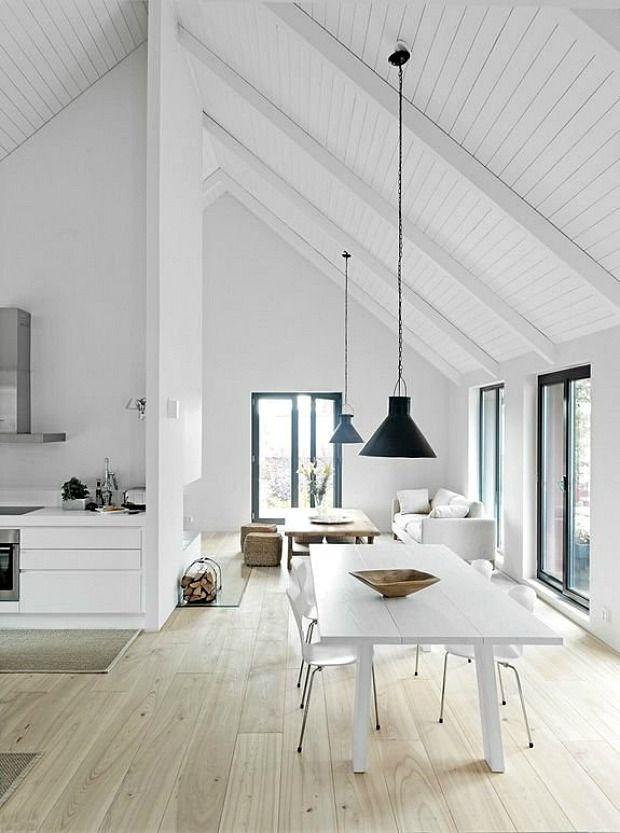 hoog-schuin-plafond-woonkamer
