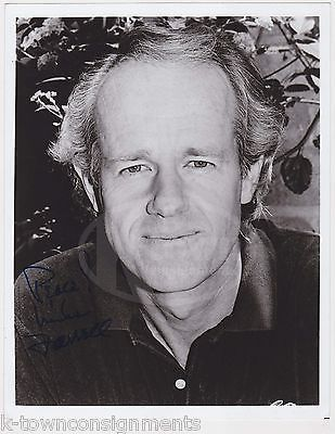 MIKE FARRELL MASH TV SHOW & MOVIE ACTOR ORIGINAL AUTOGRAPH SIGNED PROMO PHOTO