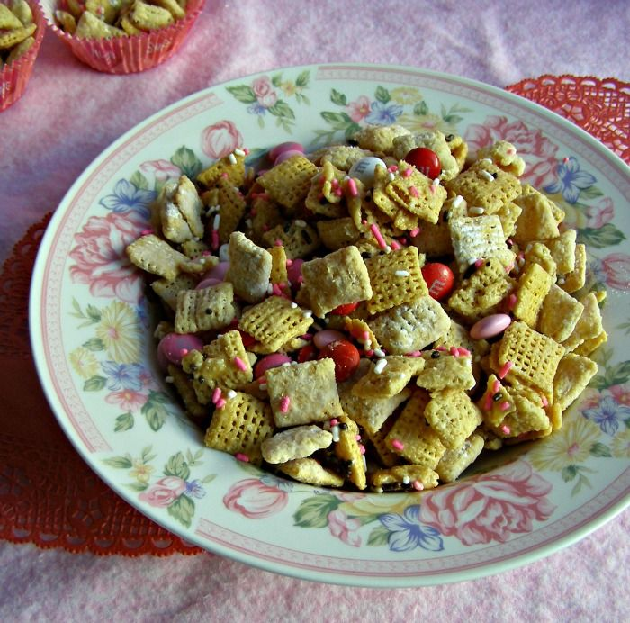 Easy Valentine's Day Recipe for Kids: Valentine Chex Mix - Growing Up Gabel