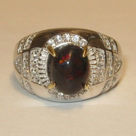Cincin Pria Black Opal Ring 9US Luster Tajam