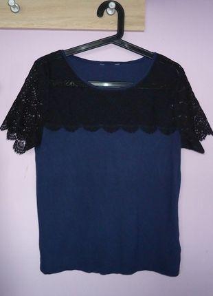Kup mój przedmiot na #vintedpl http://www.vinted.pl/damska-odziez/bluzki-z-krotkimi-rekawami/12923800-granatowa-bluzka-koronka-koronkowa-krotki-rekaw-40