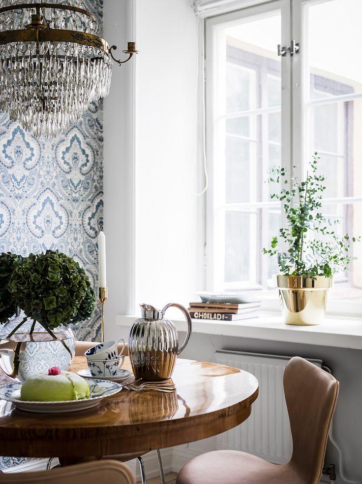 Entrance Fastighetsmäkleri #interior #design #home #luxury #victorian #sekelskifts #inredning #details