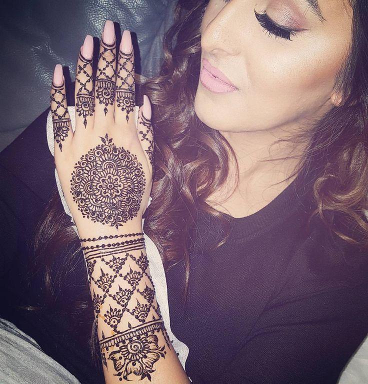 Circle bridal henna
