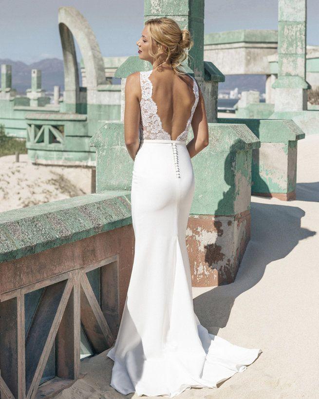 Elbeth Gillis 2016 Wedding Dresses | itakeyou.co.uk #Weddingdress #Elbethgillis #Bridal
