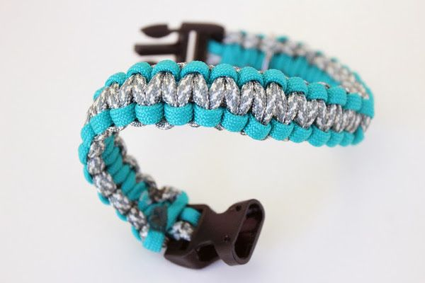 DIY Paracord Dog Collar from Fashion Meets Food