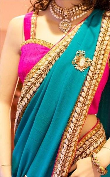 Beautiful combination! Want this saree!