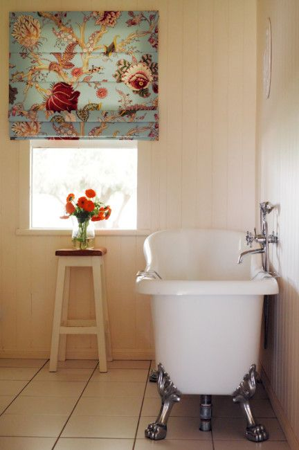 floral roman blind in bath textile Pinterest