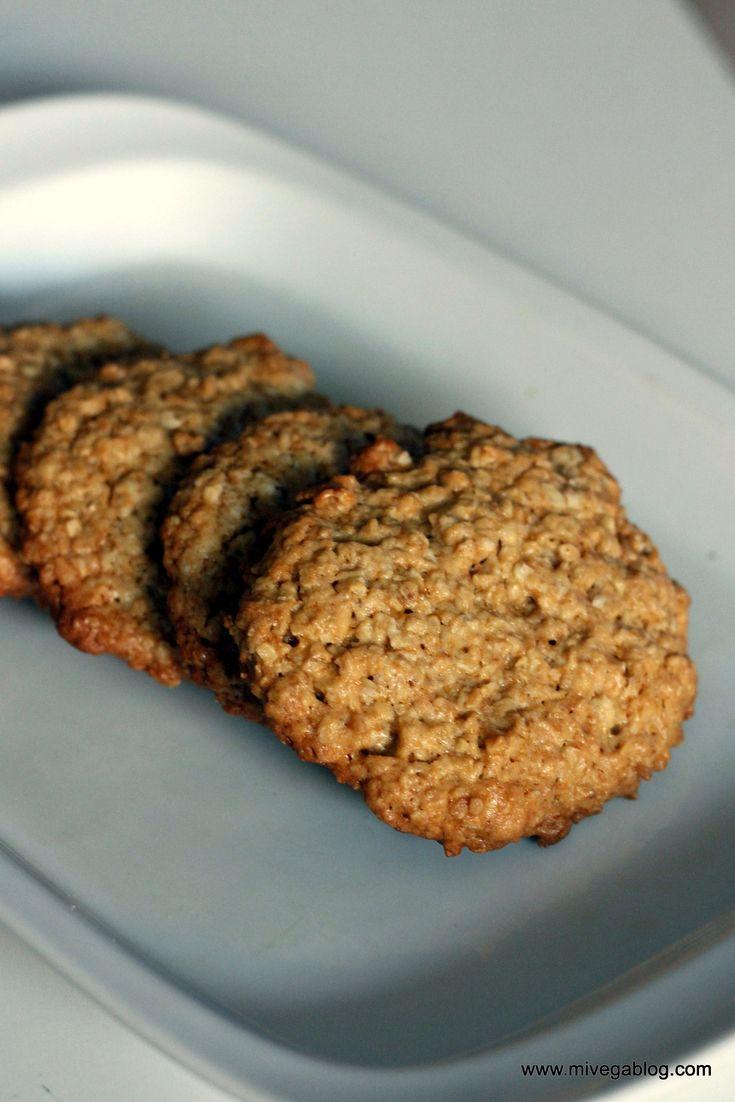 Por fin consigo unas galletas de avena crujientes además de deliciosas. Además son facilísimas de preparar. No hay pereza que valga. Si tenéis niños, son perfectas para tenerlos entretenidos y adem...