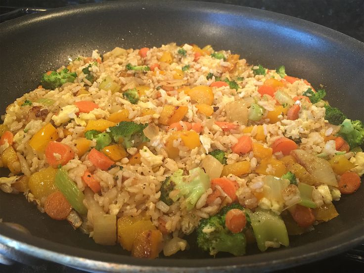Veggie Rice and Egg Stir Fry - Meatless Monday? Why not try this one pan meal made with left over cooked rice?