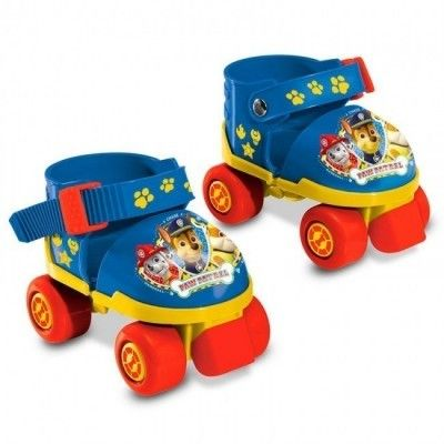 Conjunto de protecção joelheiras, cotoveleiras e uns belos patins de 4 rodas. ajustáveis com o tamanho do 22 ao 29.