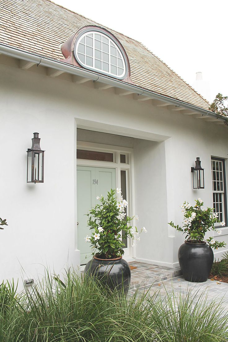Best 25 white stucco house ideas on pinterest for Coastal living exterior paint colors