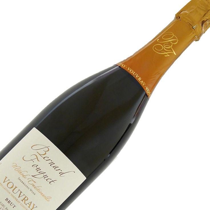 Franse mousserende witte wijn uit de Loire. Licht goud. In de neus wat aardse geuren en minerale accenten. Volle, aangename smaak die herkenbaar is van zijn geuren. Een uitstekende droge mousserende wijn.