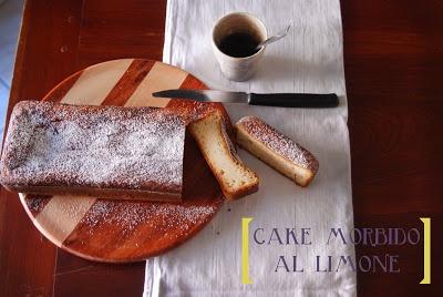 cake morbido al limone, semi di papavero e yogurt