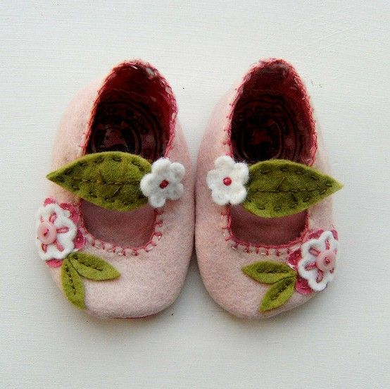 felt... ok, so it's not crochet but I could be inspired by these
