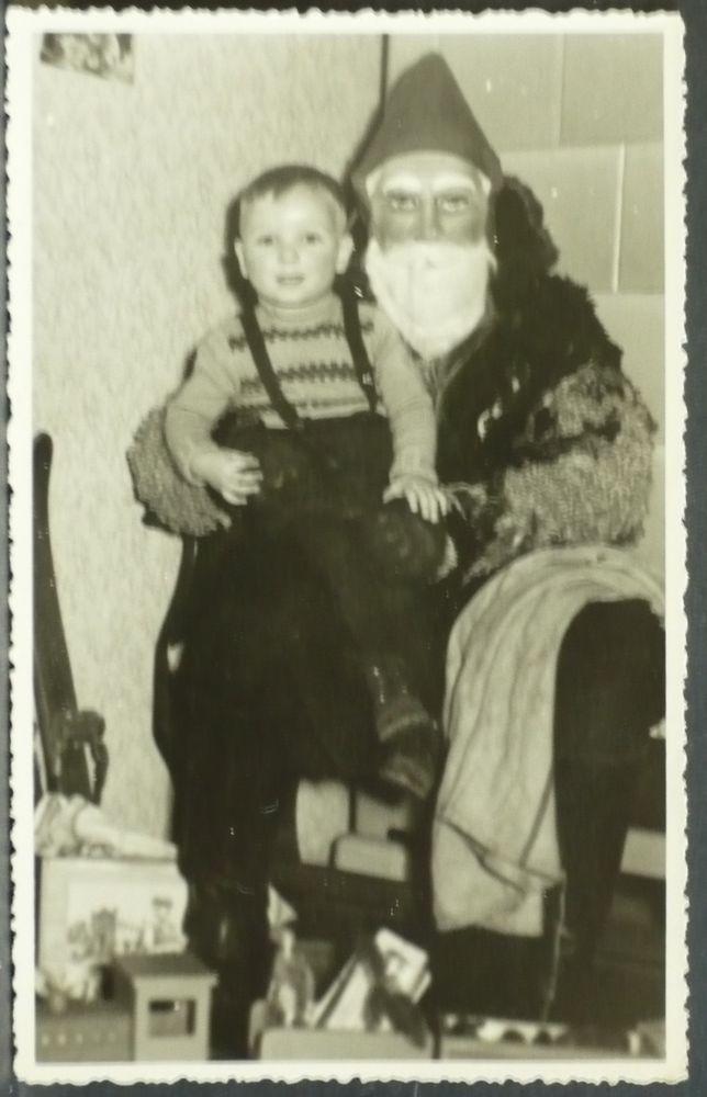 tolles original Kinder Foto,Spielzeug Eisenbahn,Papa als Weihnachtsmann
