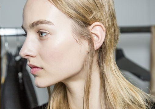 Can Dry Shampoo REALLY Cause Bald Spots?!