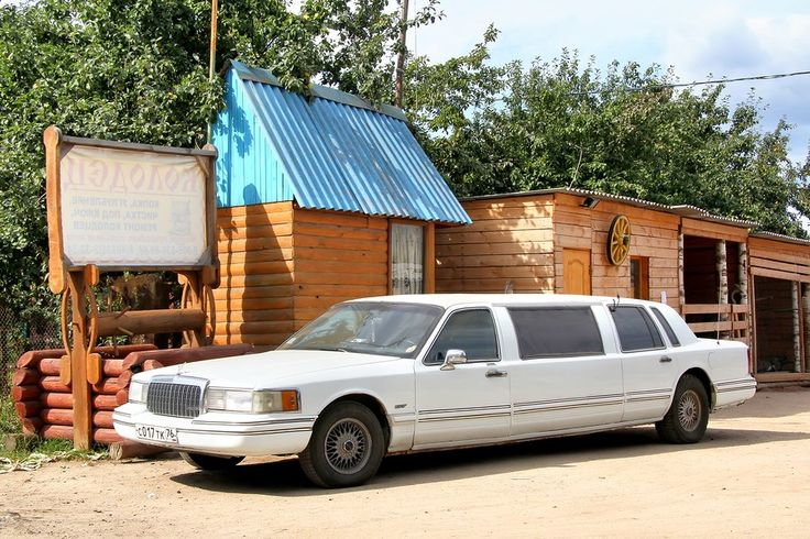 how much does it cost to rent a limo in las vegas