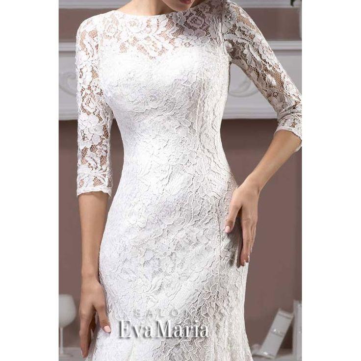 Svadobné krajkované šaty s 3/4 rukávom a šnúrovačkou