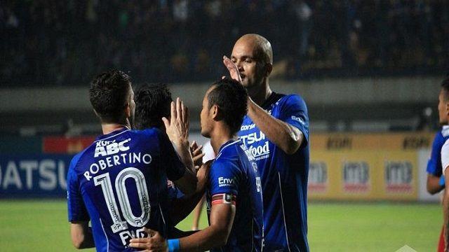 Persib Bandung Permalukan PS TNI 4-0 di Stadion Si Jalak Harupat